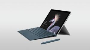 Surface Pro mit Stift aus Hintergrund mit Farbverlauf