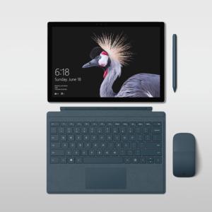 Surface Pro abgedockt mit Maus und Stift
